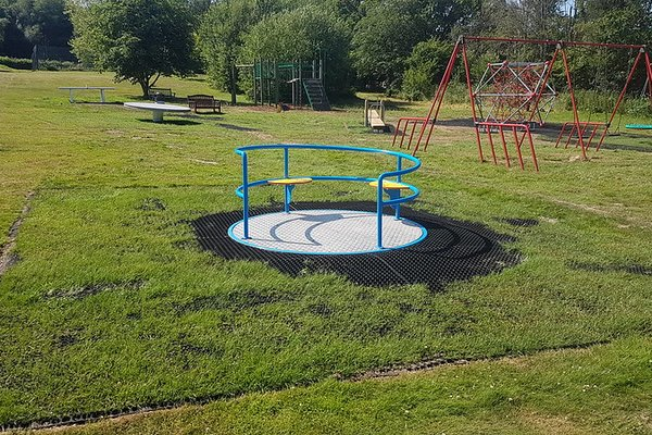 Beckley, Beckley Parish Play Area - 4/6