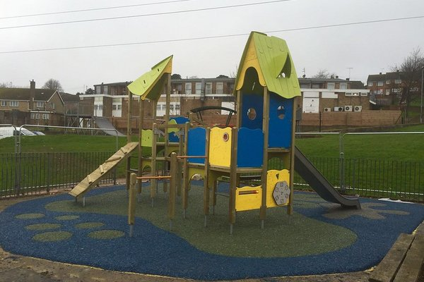 Hastings, Mendip Play Area - 0/4