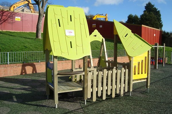 Hastings, Mendip Play Area - 2/4