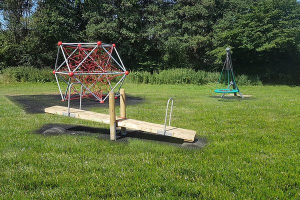 Beckley, Beckley Parish Play Area - 0/6