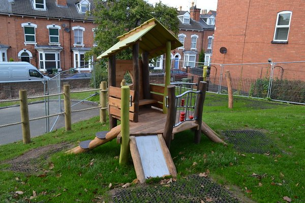 Worcester, Fort Royal Hill Play Area - 6/10